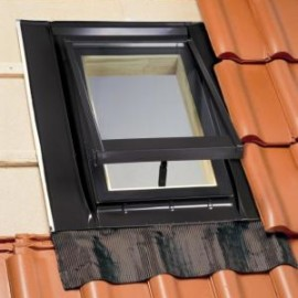 Окно люк для выхода на крышу ROTO